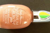 Sally Hansen Maximum Growth nourishing nail color 26 Trust Mauve