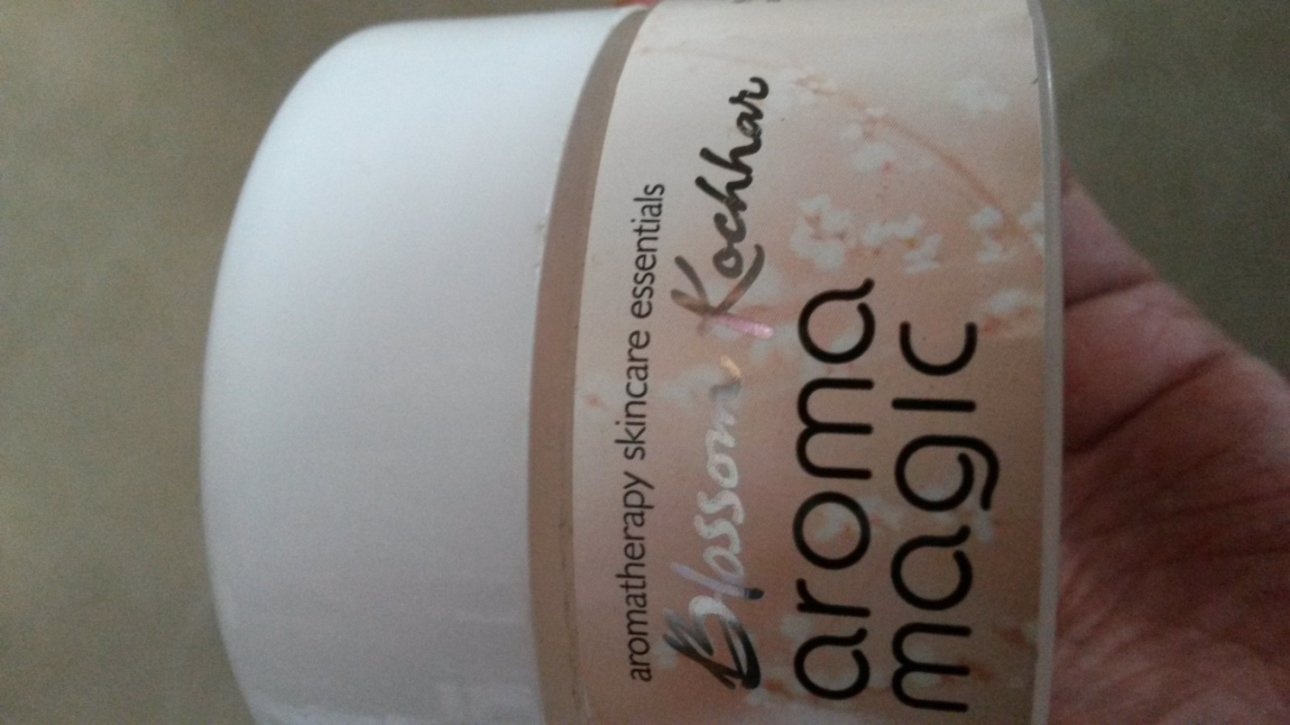 Almond Nourishing Cream Review