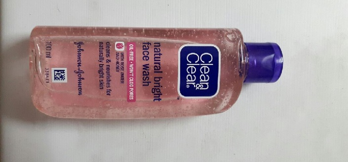 Clean and Clear Natural Bright Face Wash Review